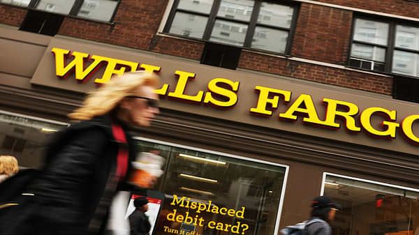 Wells Fargo posts better-than-expected revenues