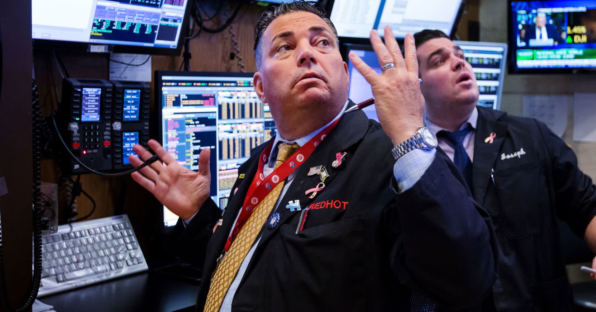 Dow bounces back 287 points Friday, but still loses 4% on the week