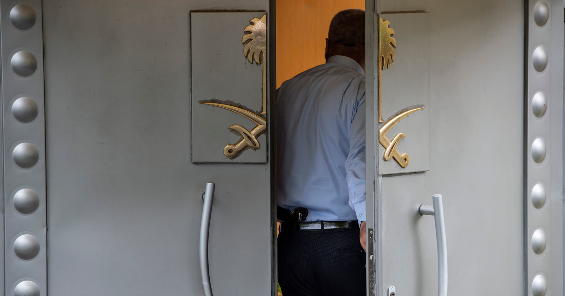 Saudi stocks plunge on Khashoggi fallout; biggest drop since 2014
