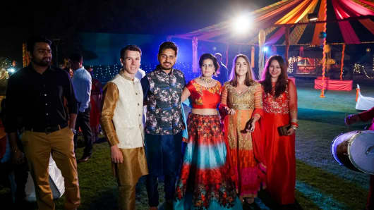 Indian Weddings Tourists Buy Tickets To Experience Nuptials