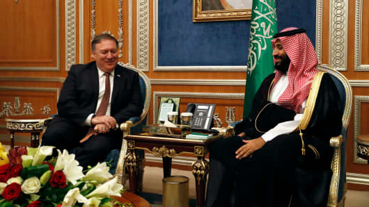 US Secretary of State Mike Pompeo (L) meets with Saudi Crown Prince Mohammed bin Salman in Riyadh, on October 16, 2018.
