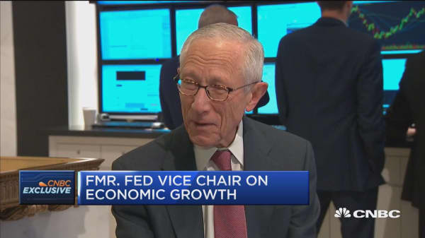Stanley Fischer to Powell: Don't listen to the politicians or let them move you