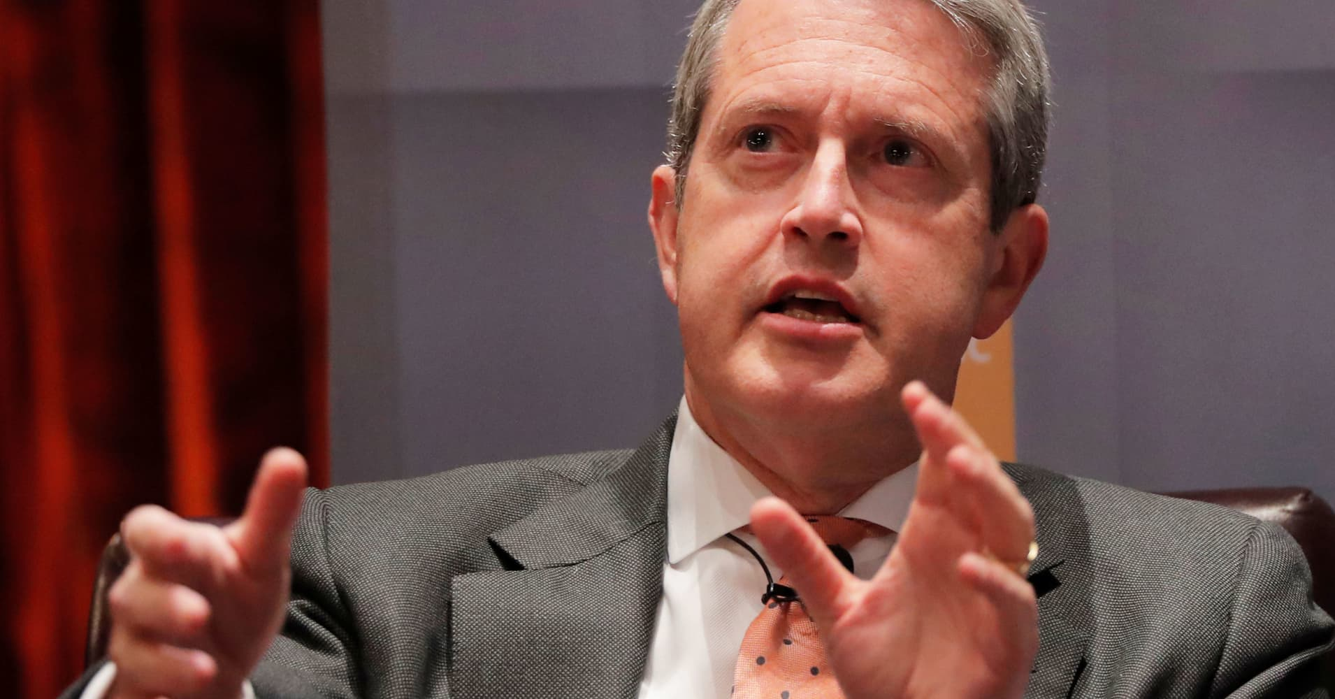 Fed's Quarles: Fed watching data but will not react to 'every wavering'