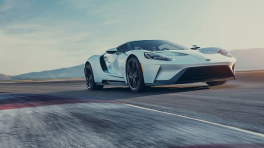 ford boosts production of 400 000 gt supercar to keep up with demand