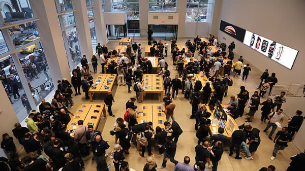 Services business drives Apple's success, analyst says