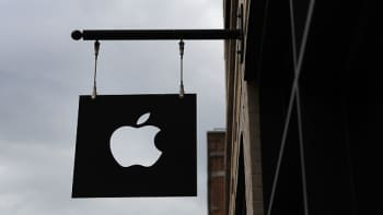 Apple search ad business could generate billions in revenue by 2020, analyst says