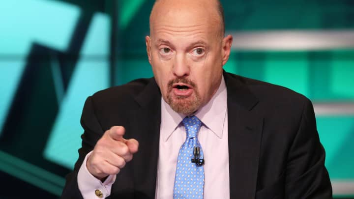 Jim Cramer: Stocks leading the rally aren't stocks that rise when economy's 'on fire'