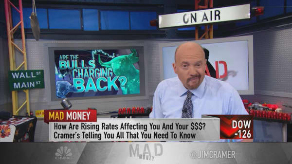 Fear gauge, strong earnings tell Cramer this bottom in market may be real