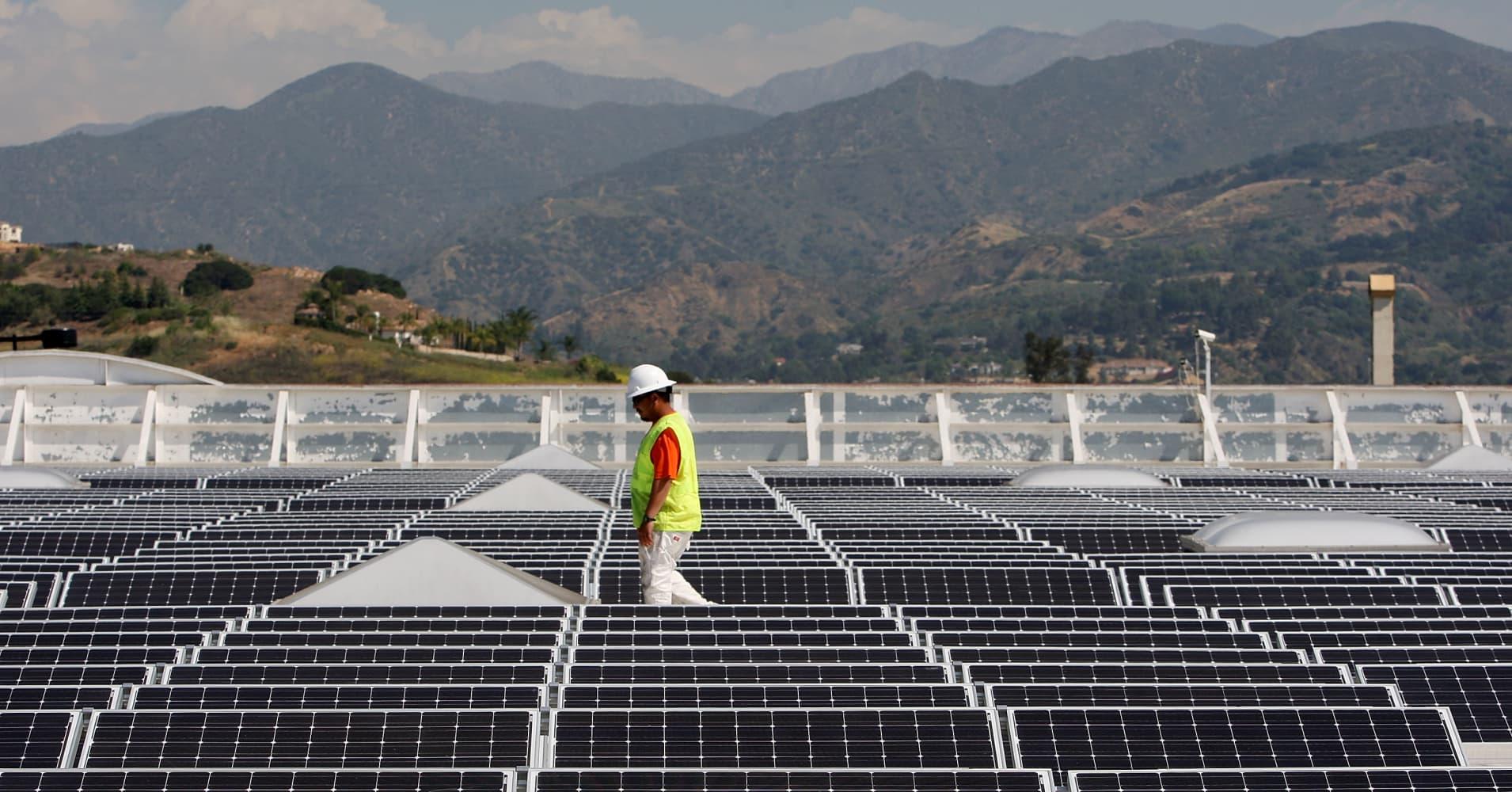 Walmart Strikes Renewable Energy Deal With Sunpower