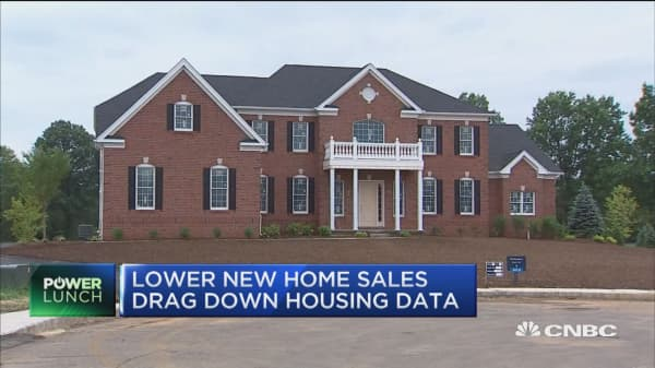 New home sales weigh down on housing data