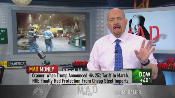 Cramer breaks down why Trump's tariffs aren't working for steelmakers like Nucor