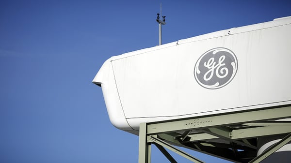 General Electric misses on top and bottom lines, cuts dividend to $0.01 per share