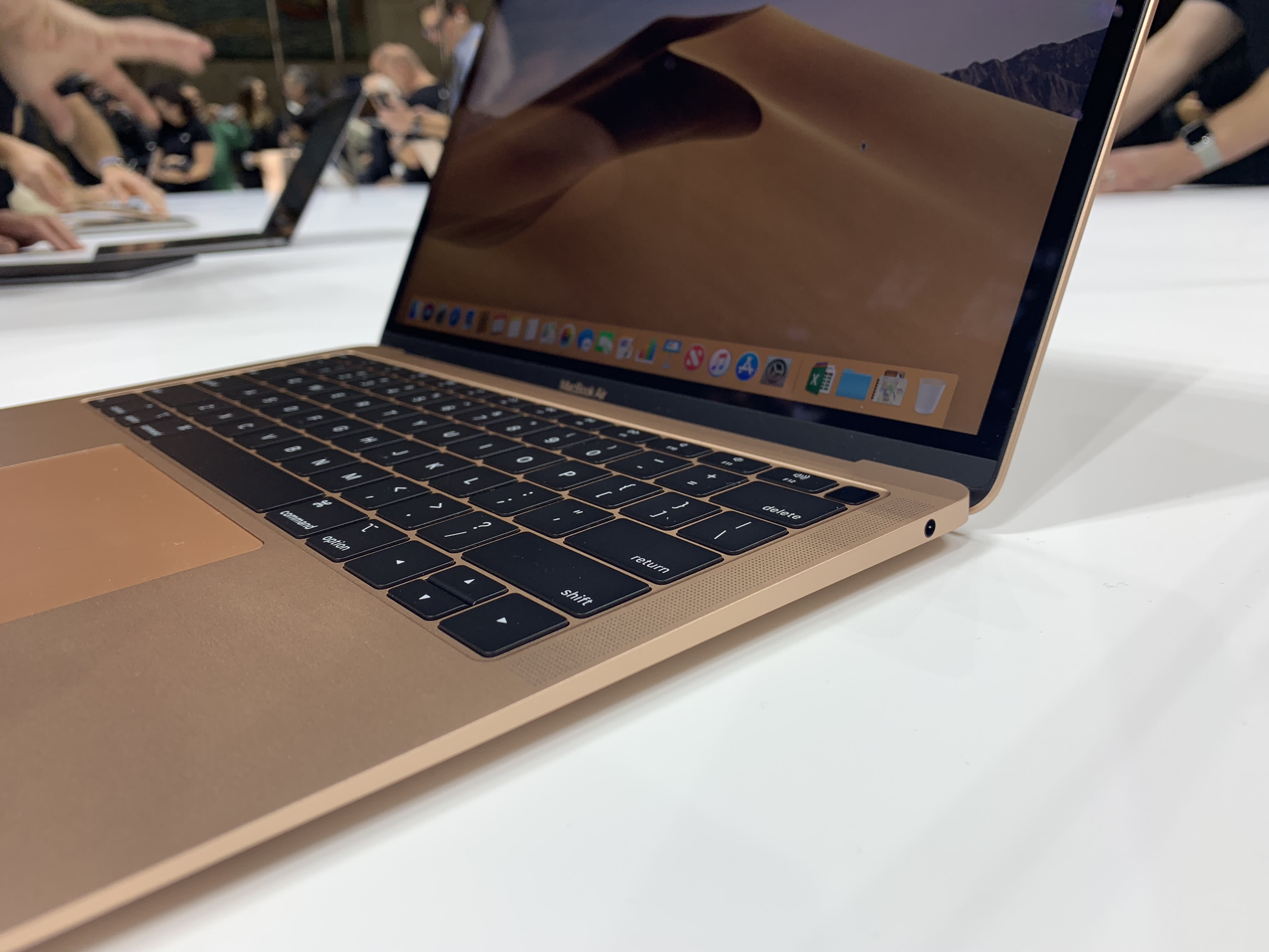 Apple's new MacBook Air blows the regular MacBook out of the water on price  and power