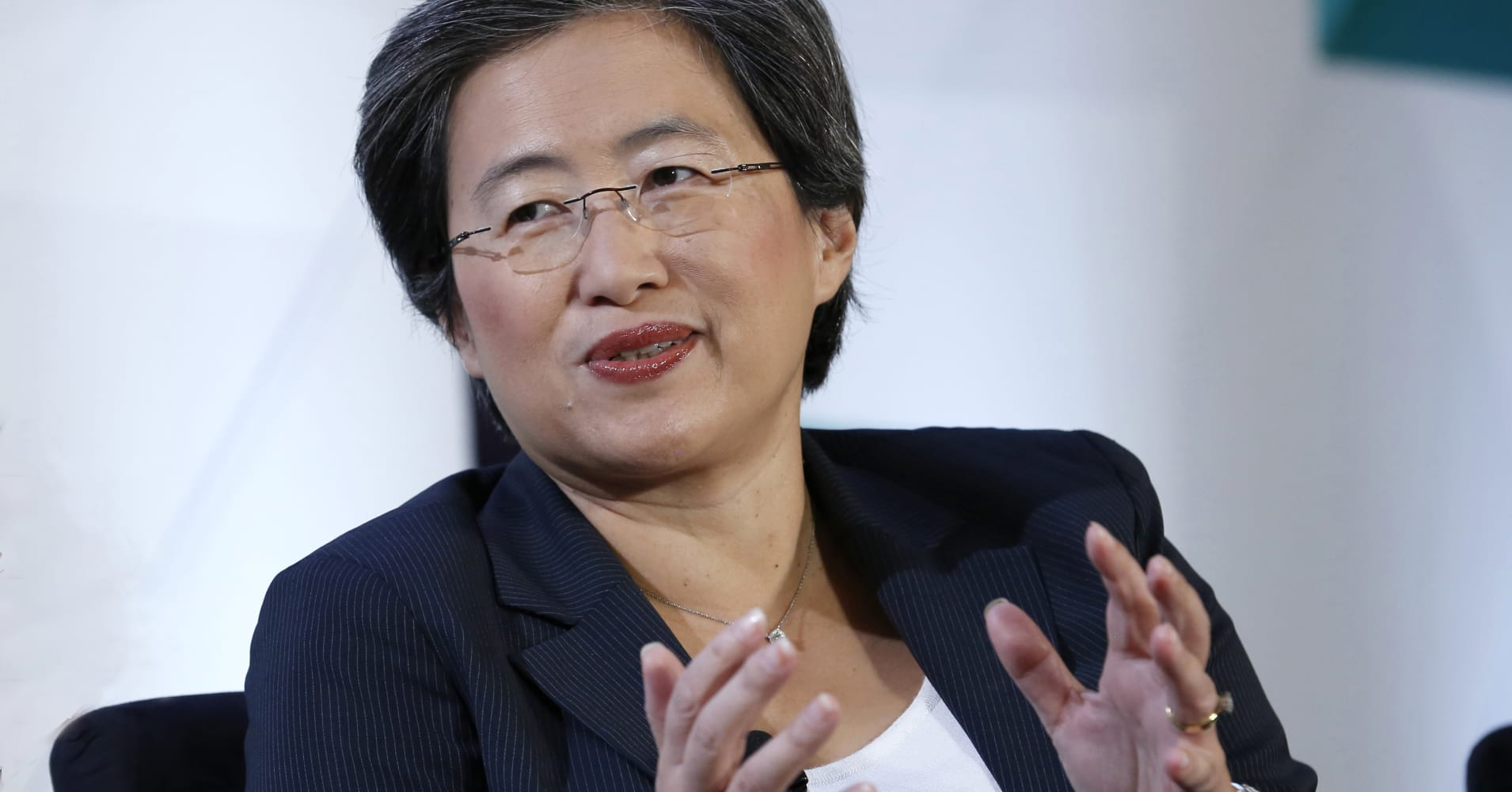 AMD shares rise after chipmaker announces new business from Amazon's cloud unit