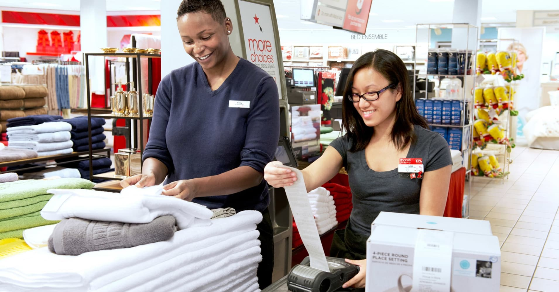 Macy S Is Hiring 80 000 Holiday Workers How To Land A Job