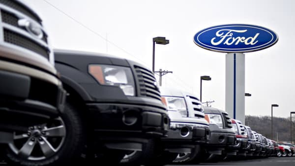 Stronger than expected auto sales for Ford, Fiat Chrysler in October