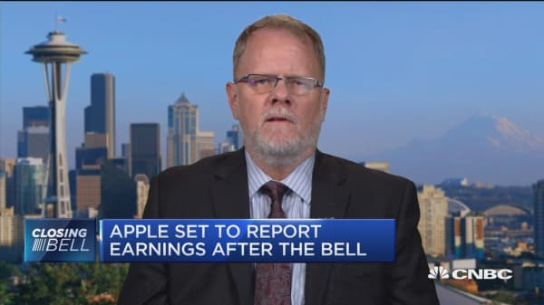 Expect to see positive Apple reaction for the next month or so, says pro