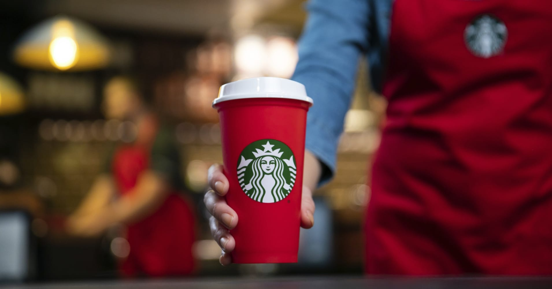 Starbucks stores are running out of reusable red cups on first day of holiday promotion