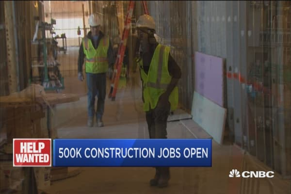 Construction industry struggles to find workers