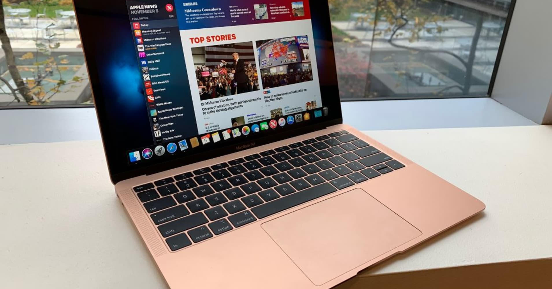 apple macbook air review. Black Bedroom Furniture Sets. Home Design Ideas