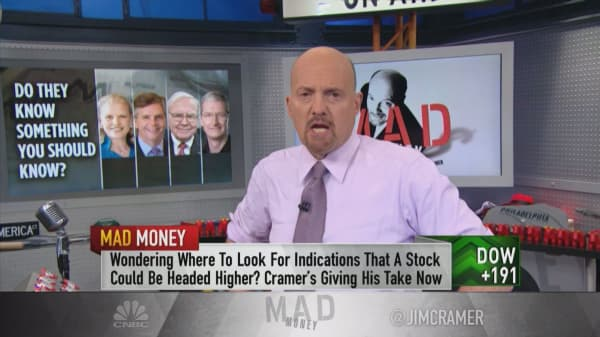 Cramer: Pay attention to recent insider buying at GE and IBM