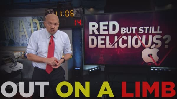 Cramer Remix: Apple's not a forbidden fruit—it's a buy here