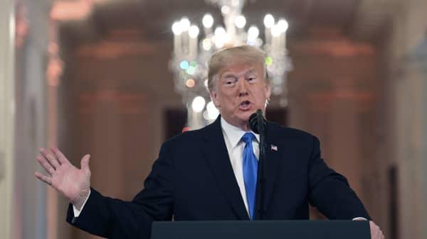 Amerikansk press till hard attack mot trump