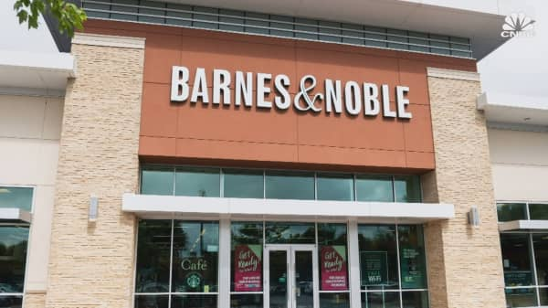 Barnes & Noble was a bookselling juggernaut, but now it may go private. Here's what happened.
