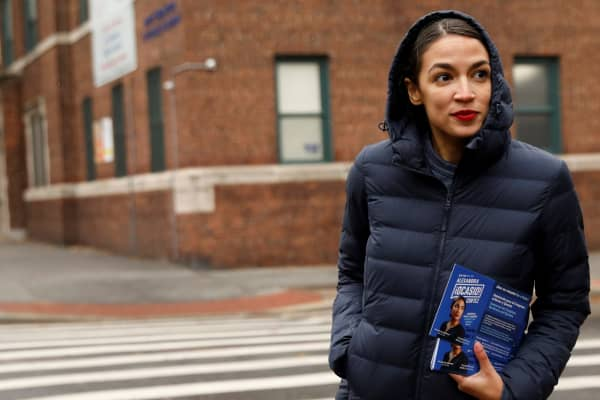 Alexandria Ocasio Cortez Can T Afford To Rent An Apartment