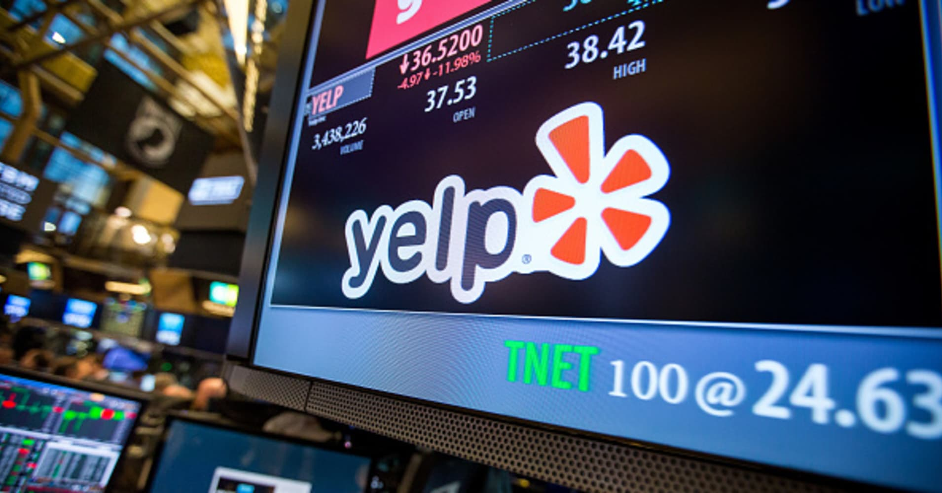 Yelp Craters 30% as Advertisers Abandon the Site