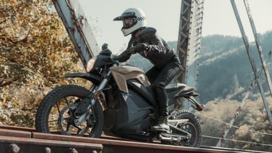 Motocicleta Zereo 2019