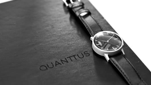 A prototype of a Quanttus wristworn device