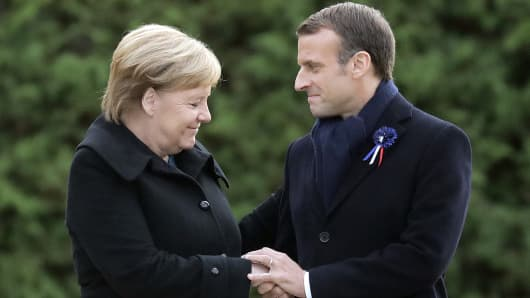 German Chancellor Angela Merkel (CDU) and French President Emmanuel Macron commemorate the end of the First World War 100 years ago near the northern French town of Compiègne. The armistice was signed on 11 November 1918 in a converted dining car in the clearing. The memorial is located on this site.