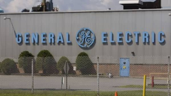 General Electric shares plunge below $8 — Here's what four experts say to expect next