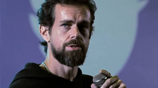 Twitter boss Jack Dorsey speaks to students on November 12, 2018 during a city hall meeting at the Indian Institute of Technology (IIT) in New Delhi, India.