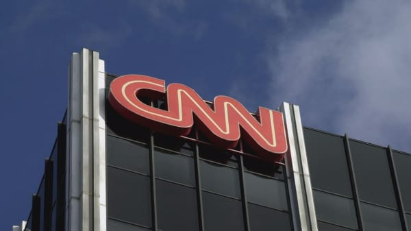 CNN sues President Trump and White House for banning reporter Jim Acosta