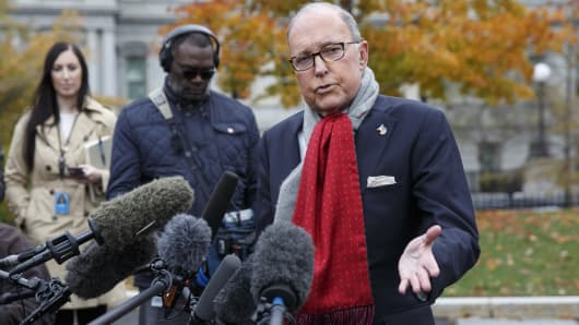 Larry Kudlow, director of the U.S. National Economic Council, speaks to members of the media outside the White House in Washington, D.C., on Tuesday, Nov. 13, 2018.