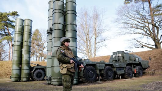 Russian S-400 missile battalions participate in tactical training to counter attacks of potential sabotage and reconnaissance groups.