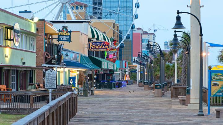 Myrtle-Beach---Boardwalk-shops_Photo_VisitMyrtleBeach.com