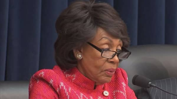 Rep. Waters says she will resist bank regulation rollbacks