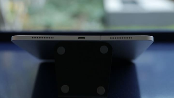 USB-C replaces Lightning on the bottom of the new iPad Pro.