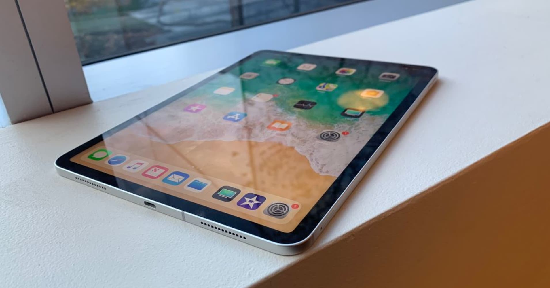 I tested the new iPad Pro and it still can't replace my laptop like Apple says it can
