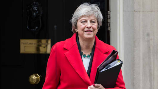 British Prime Minister Theresa May leaves 10 Downing Street in central London for the House of Commons where she will read a statement to MPs setting out the terms of her proposed agreement with the EU. November 15, 2018 in London, England.