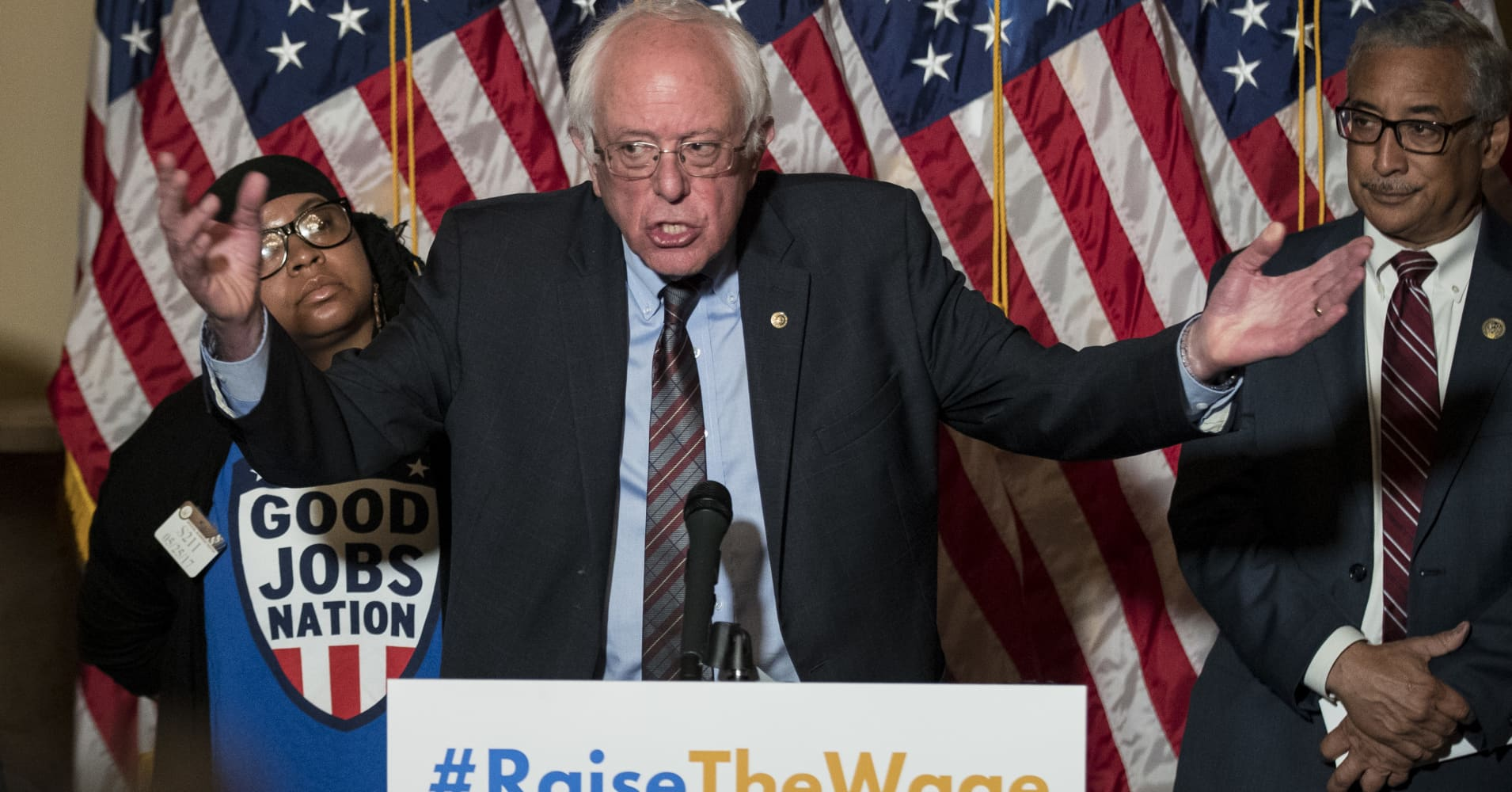 Bernie Sanders targets Walmart, calls for $15 minimum wage
