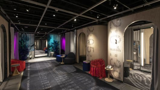 Inside Nike's House of Innovation in New York, a concierge helps Nike Plus members find items for their taste and then tailors them to fit shoppers perfectly.