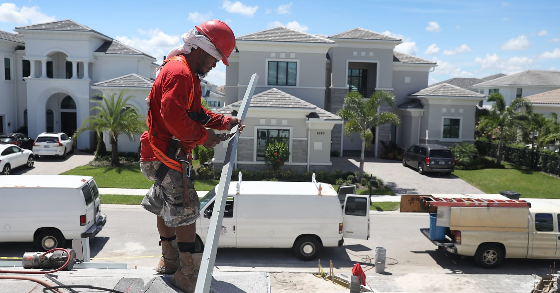 US new home sales declined 6.9 percent in January, a sign government shutdown hurt buying
