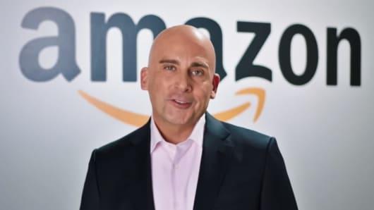 Steve Carell Plays Amazon Ceo Jeff Bezos On Snl And Trolls Trump