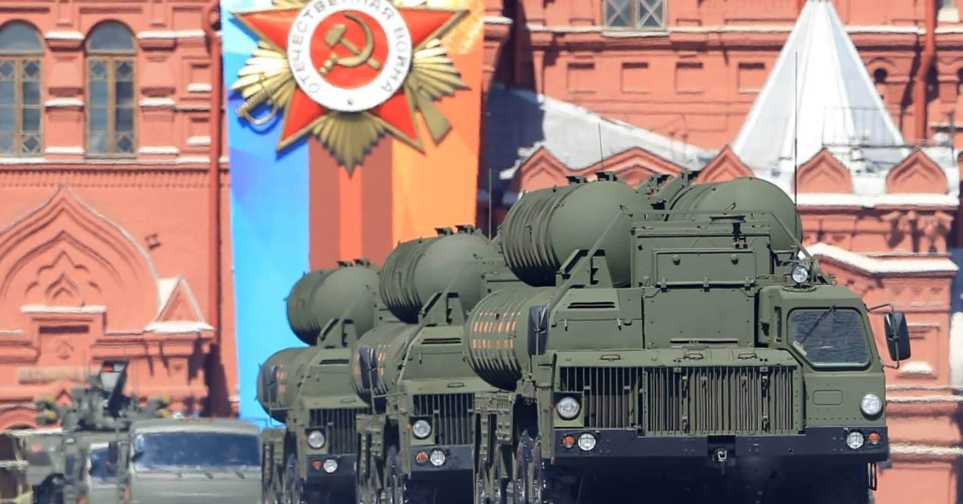 Russia lures buyers as S-400 missile system costs less than US models
