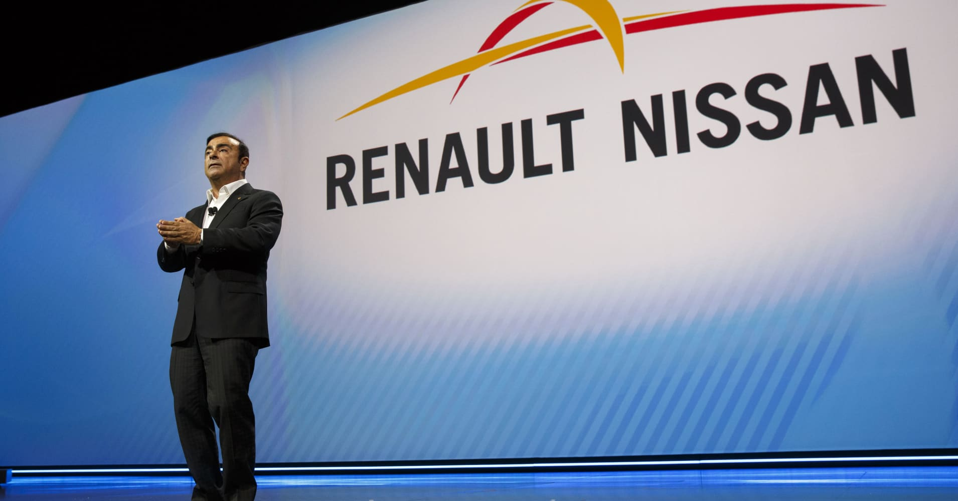 Carlos Ghosn no longer capable of leading Renault says Le Maire