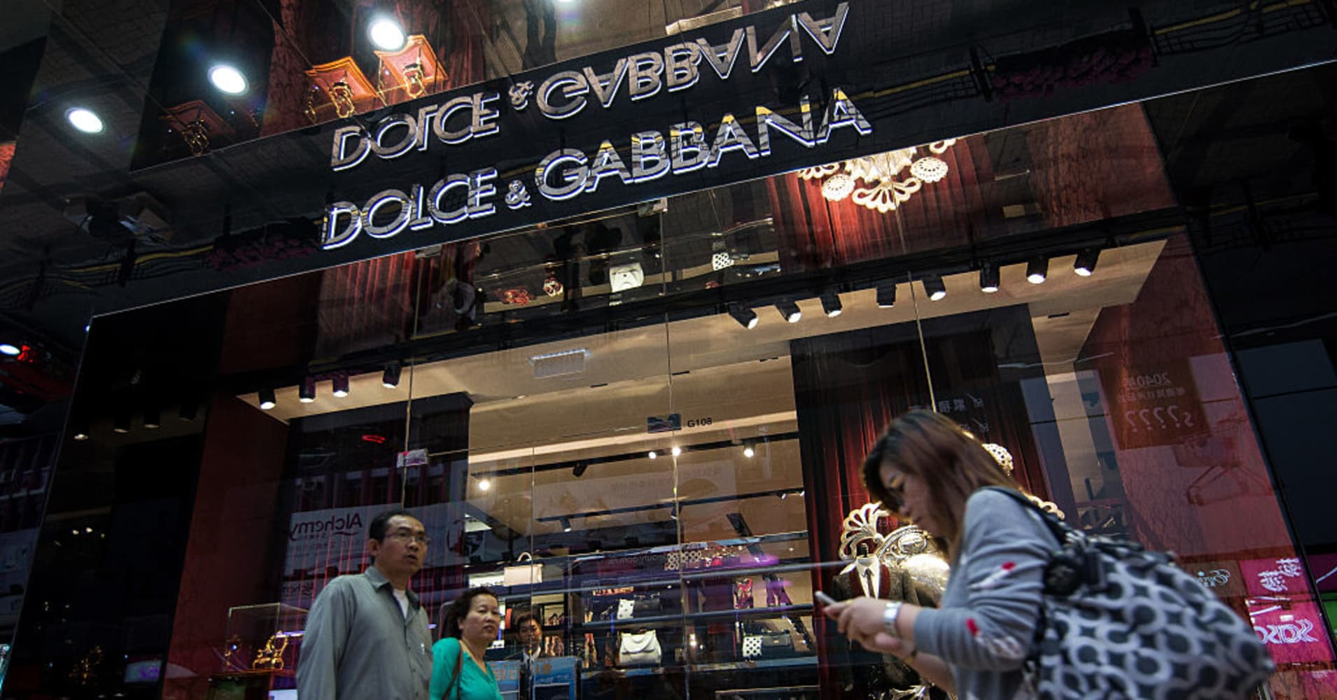 Dolce and Gabbana accused of racism in Chinese 'chopsticks' ads